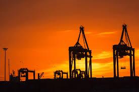 Scontro Usa-Iran: oro e petrolio schizzano sulmercato
