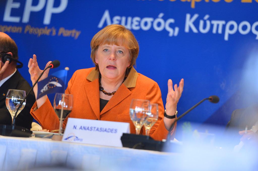 Merkel: niente lockdown duro a Pasqua. Colpamia