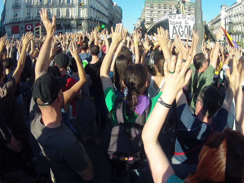Madrid si ribella allamascherina