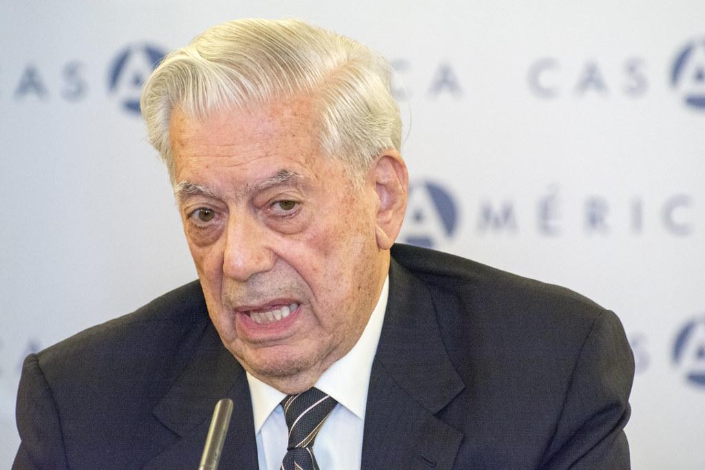 """Vargas Llosa """"Molti governi hanno usato pandemia per limitare libertà.Inaccettabile"""""""