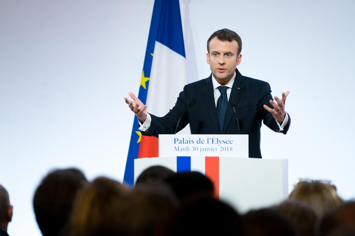 Macron: rivedere Schengen per contrastare ilterrorismo