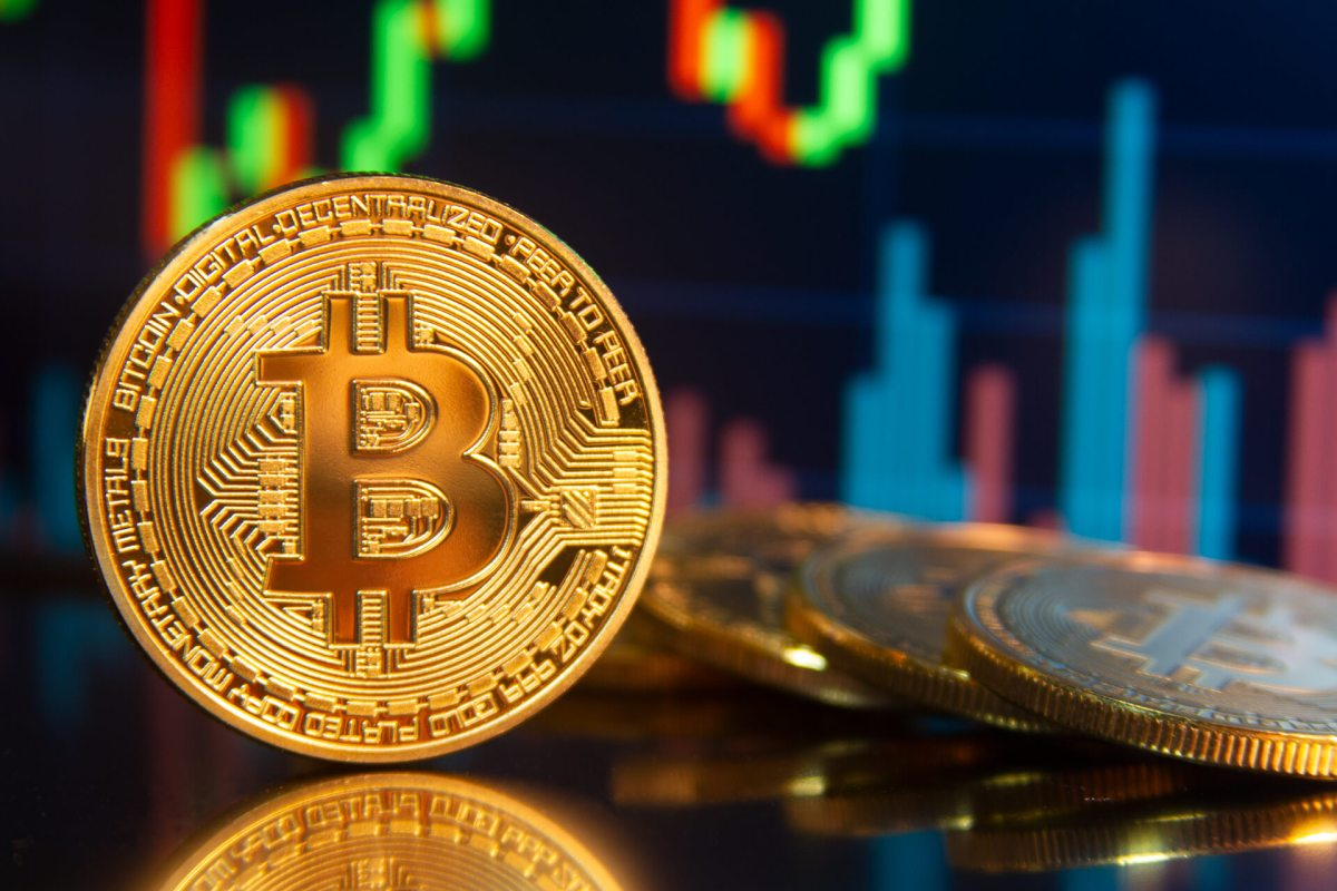 Bitcoin, nuovo record: superati i 60.000 dollari