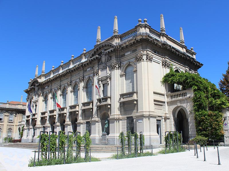 Politecnico Milano: primi 6 laureati in Ingegneria dellamobilità